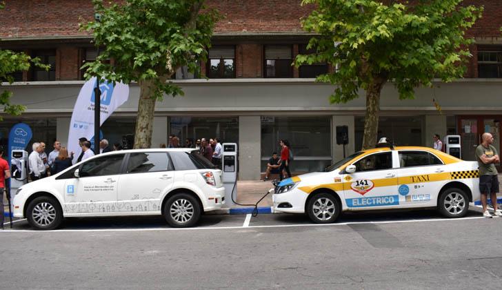 Inaguración:  centro de carga para vehículos eléctricos