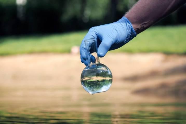 Conductividad en el Agua: Cómo medirla
