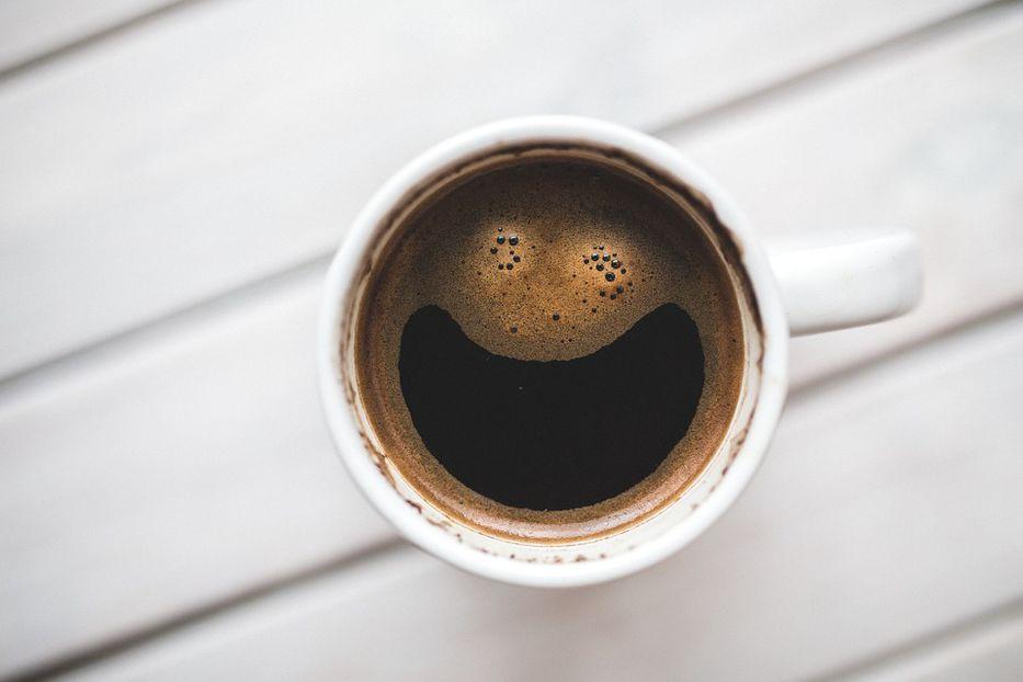 La cafeína: promesa de paneles solares más baratos y eficientes