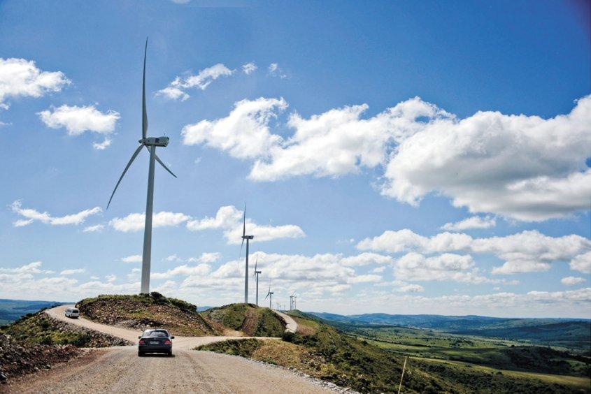 El molino eólico más grande de Latinoamérica está en URUGUAY!